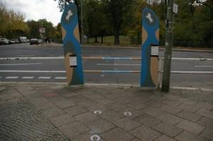 """Fixed up """"horse jump barrier"""" at Hufelandstraße"""